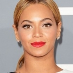 Beyonce with perfect long lashes