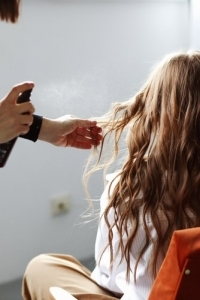 How to Curl Hair Without Heat at Home?   Paul Edmonds